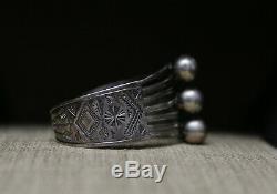 Beautiful Vintage Harvey Era Native American Navajo Sterling Cuff Bracelet
